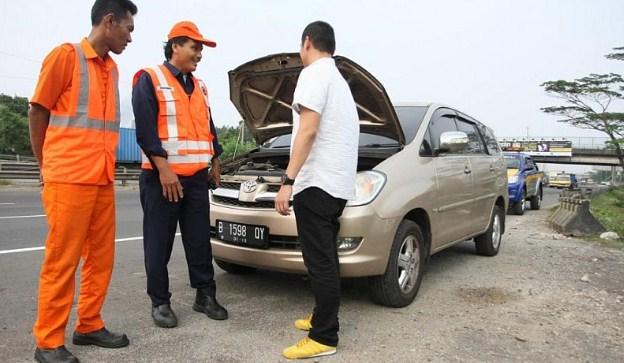 Penyebab dan Tanda-Tanda Mobil Akan Mogok Di Jalan